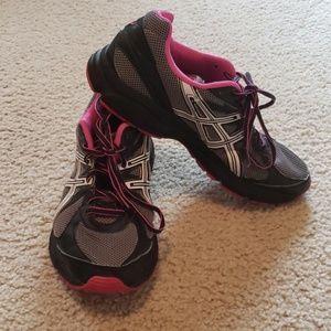 Asics gel running/walking sneakers